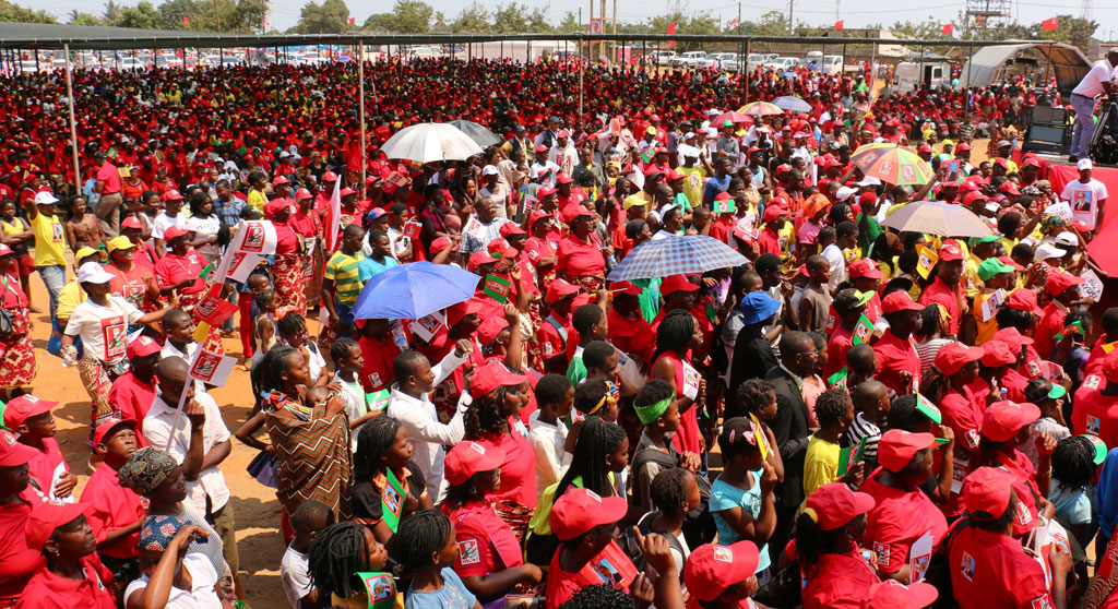 FRELIMO_final_campaign_rally_in_Maputo.jpg